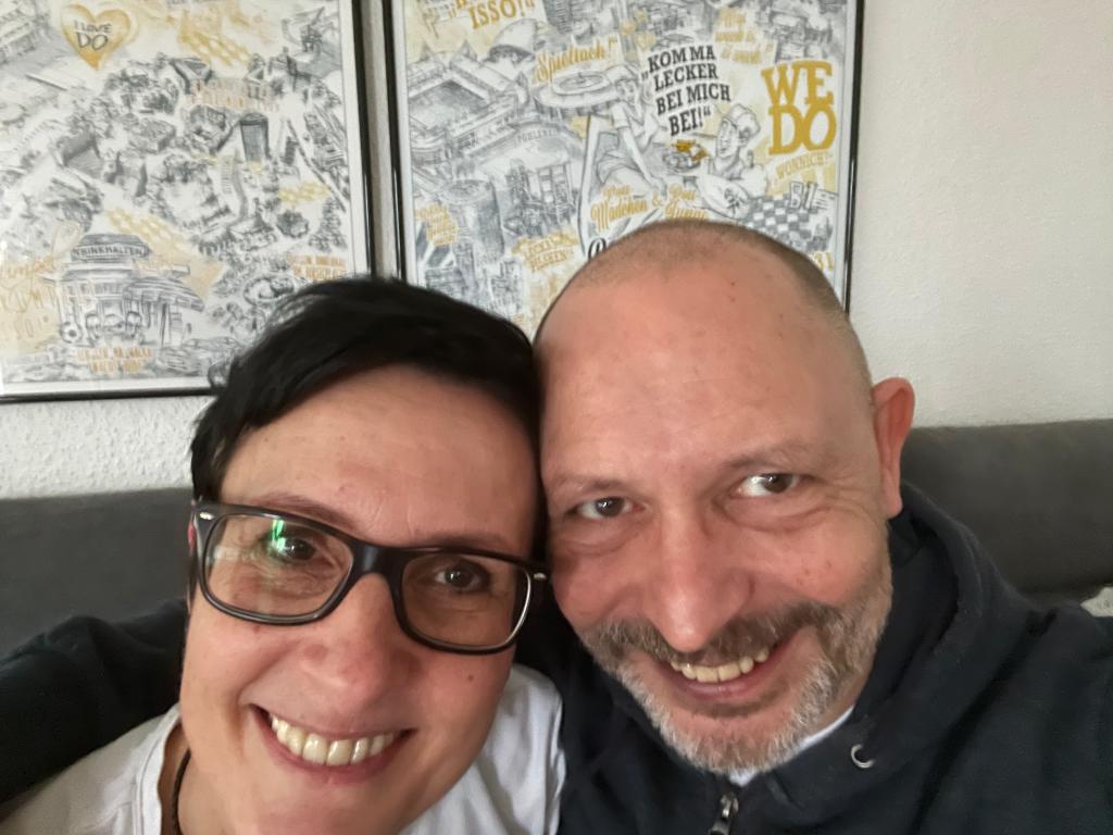 Kontaktbild von Nicole Allen und Guido Stolecki, den East Side Walkers, Nordic Walking in Dortmund